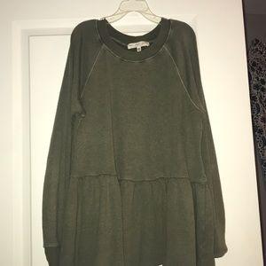 Green sweater/sweatshirt